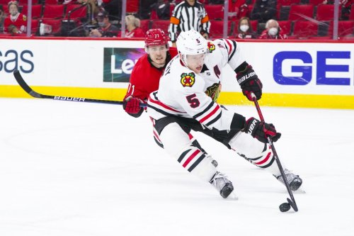 Blackhawks keep Connor Murphy on defense with 4-year extension