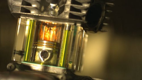 Transparent Engine Filmed in Super Slo-Mo Lets You Watch the Combustion Process