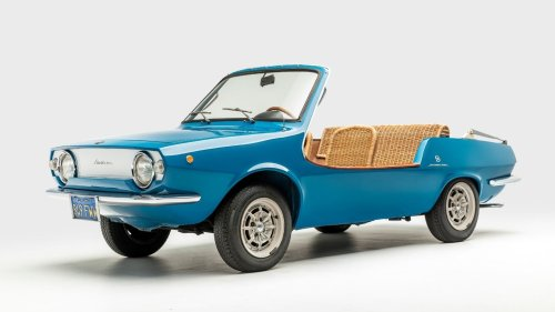 This Vintage Summer Car Is Like Driving a Picnic Basket