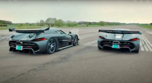 Watch Two Koenigsegg Jeskos Dance Like No One's Watching