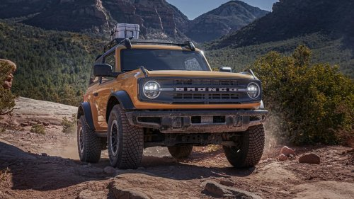 The Ford Bronco Will Reportedly Use the Explorer's 10-Speed Transmission, and Fans Aren't Happy