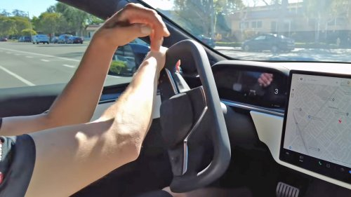 Tesla's 'Knight Rider' Steering Yoke Is Getting Panned in Early Reviews