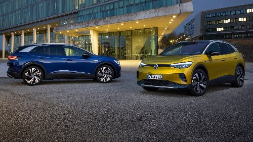 How the VW ID.4's Electric Range Compares to the Nissan Leaf, Tesla Model 3 and Mustang Mach-E