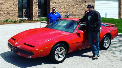 That Chicago Cubs Pitcher Found a Perfect '88 Pontiac Firebird Beater to Street Park Near Wrigley