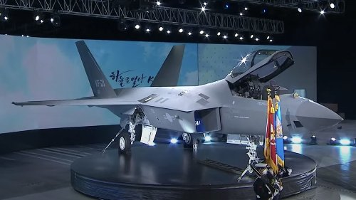 "Meet South Korea's New KF-21 ""Hawk"" Indigenous Fighter"