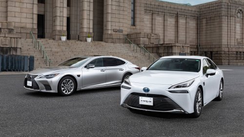 Toyota Bet Against Electric Cars. Now It's Stacking the Deck Against Them