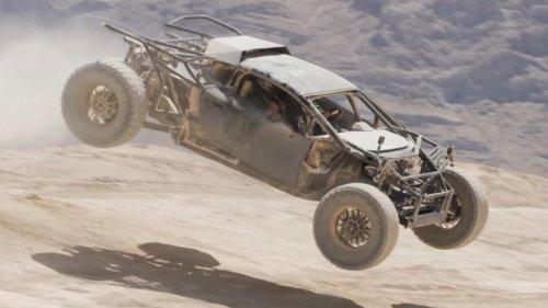 Desert-Running Lamborghini Huracan Can Really Jump