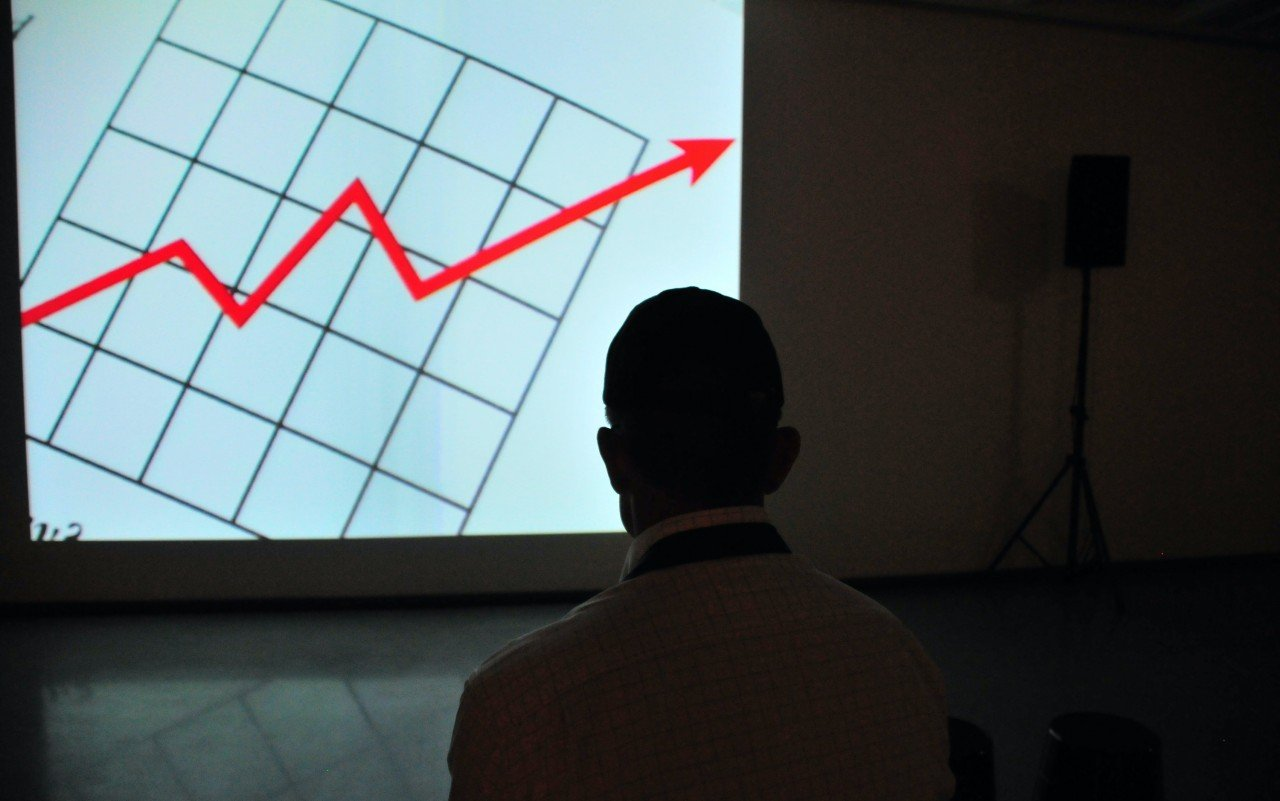 Ad revenues surge at Alphabet, Apple and Microsoft