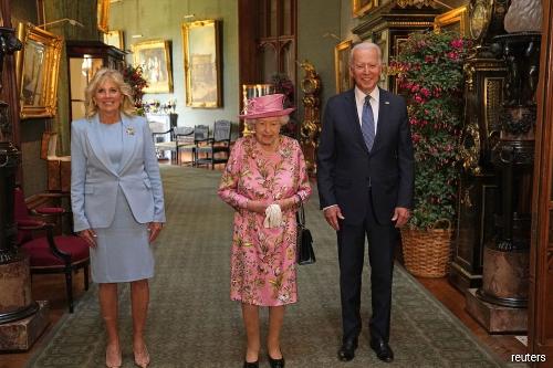 Biden says Queen Elizabeth asked about Putin and Xi