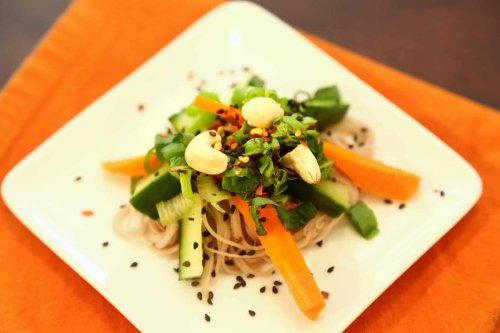 Spicy Thai Salad Dressing Recipe | The Edgy Veg