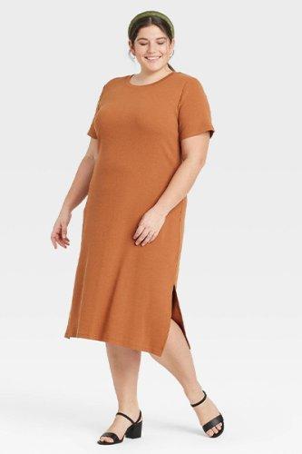 Our Favorite Budget-Friendly Mom Uniform Dresses for Summer