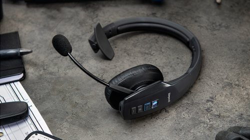 BlueParrott B450-XT customizable headset blocks out background noise