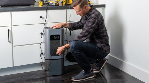 Generark Solar Generator provides your modern home with an emergency power supply