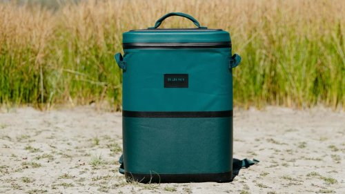 Igloo Reactor 24-Can Backpack has insulation to keep drinks & food cold for up to 2 days