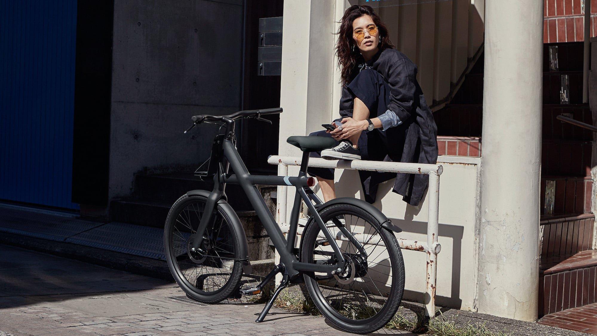 VanMoof X3 intelligent electric bike automatically shifts its gears