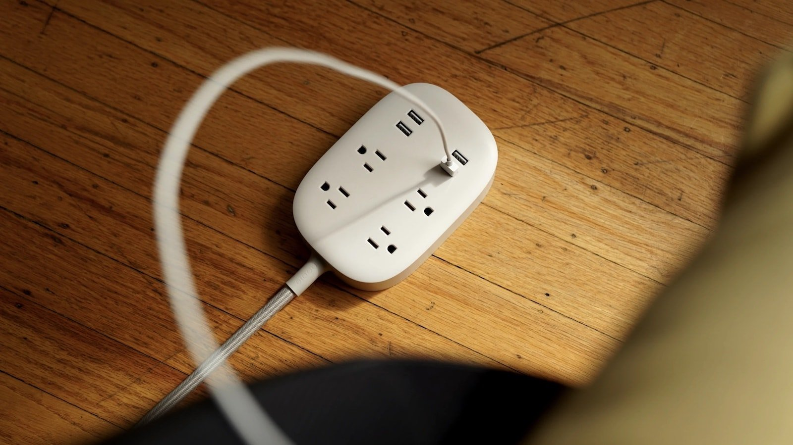 Nooie Smart Power Strip has four sockets and four USB ports