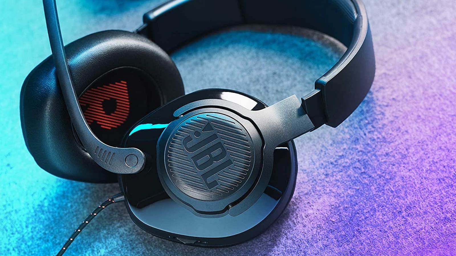 JBL Quantum 200 wired gaming headset includes QuantumSOUND Signature & 50 mm drivers