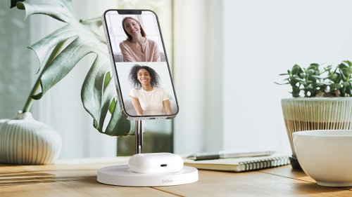 Belkin BOOST↑CHARGE™ PRO 2-in-1 Wireless Charger Stand works with MagSafe