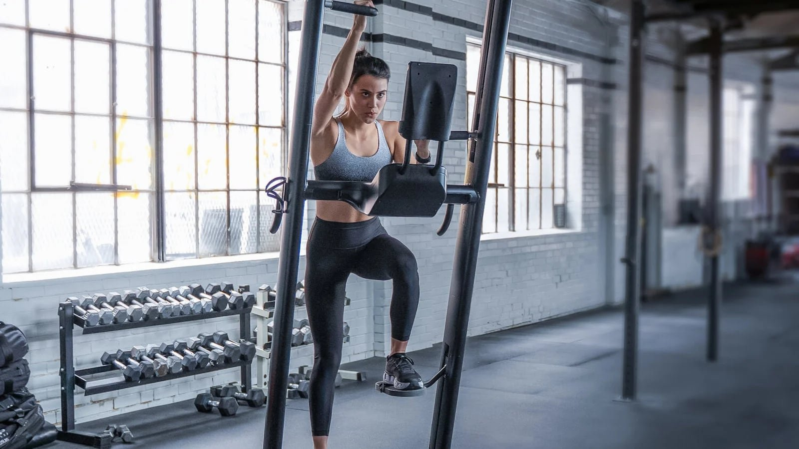 CLMBR Pure workout machine uses a state-of-the-art companion app for exercise details