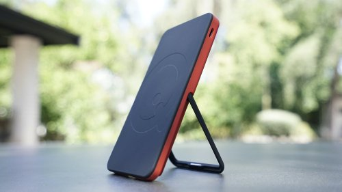 SoloQi Wireless Charger Stand Series charges everything, everywhere