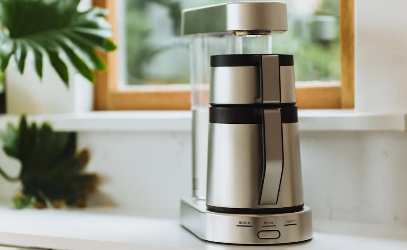 Ratio Six one-button coffee maker produces consistently delicious cups of coffee