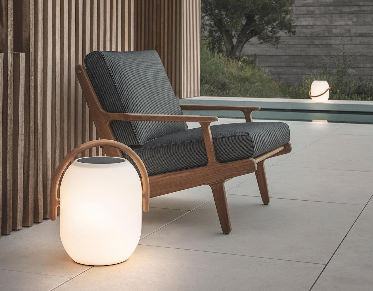 Gloster Ambient Cocoon Outdoor Light