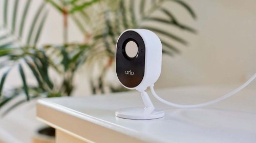 Arlo Essential Indoor Camera has an easy-to-control automatic privacy shield