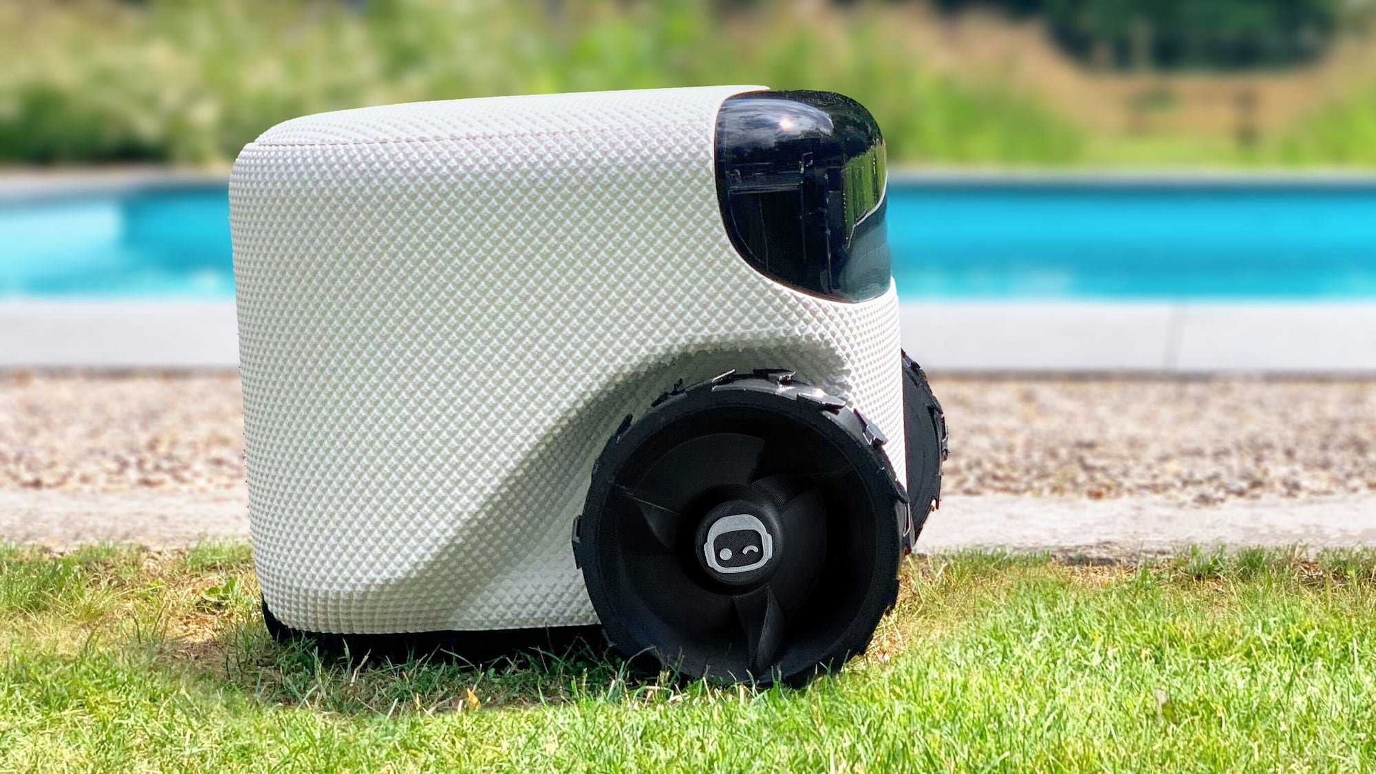 Toadi Autonomous Lawn Robot is intelligent because it's powered by AI