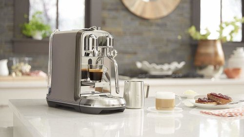 Nespresso Creatista Plus espresso drink maker heats up in only 3 seconds