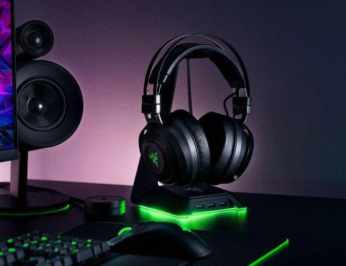 Razer Base Station Chroma USB headset desk stand is perfect for organized gamers