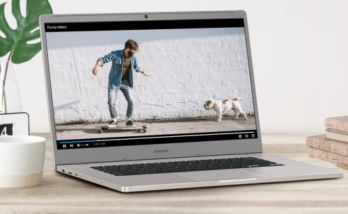 Samsung Chromebook 4 Gigabit Wi-Fi Laptop lets you stream and download with speed