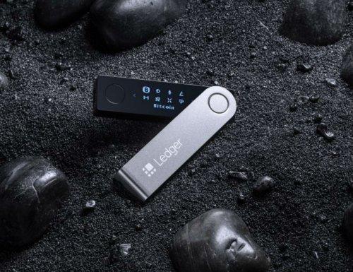 Ledger Nano X Bluetooth Crypto Wallet