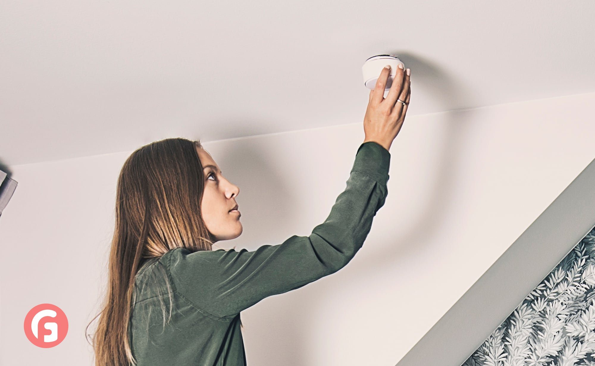 Minut Smart Home Alarm is an all-in-one device that does it all