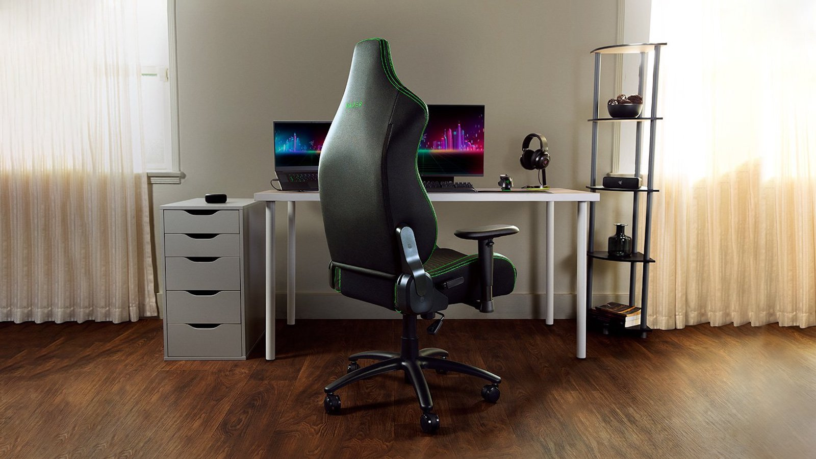 Razer Iskur X ergonomic gaming chair has a fully adjustable recline, tilt, and height