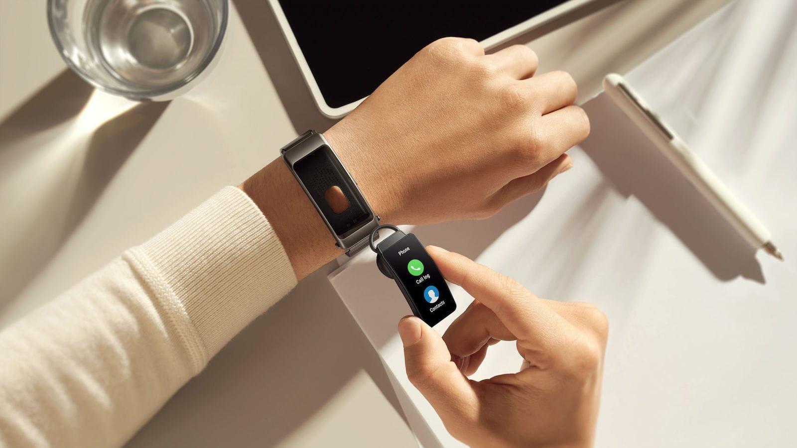 Huawei TalkBand B6 smart activity tracker features a detachable Bluetooth earphone