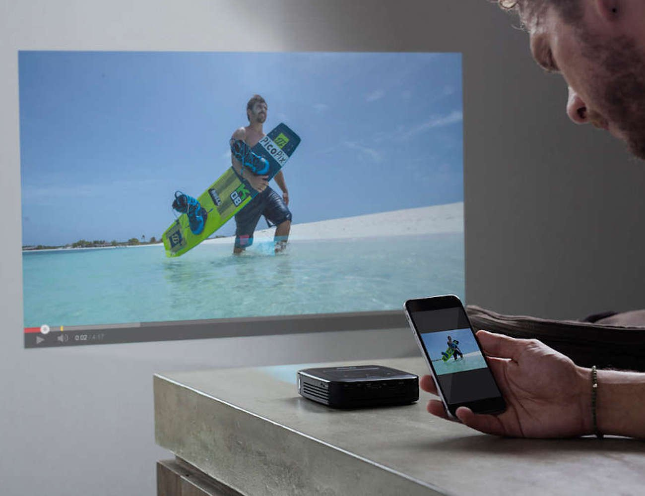 Philips PicoPix Smart Pocket Projector shows your content wherever you want