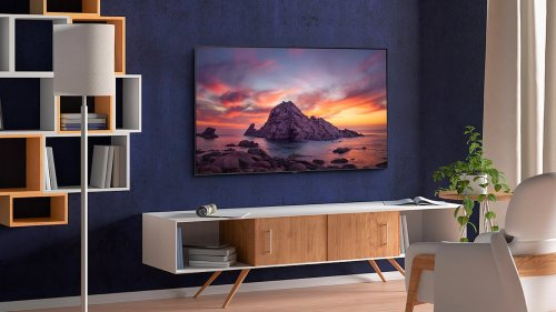 Samsung Q60T QLED HDR Smart TV provides realistic color with Quantum Dot Technology
