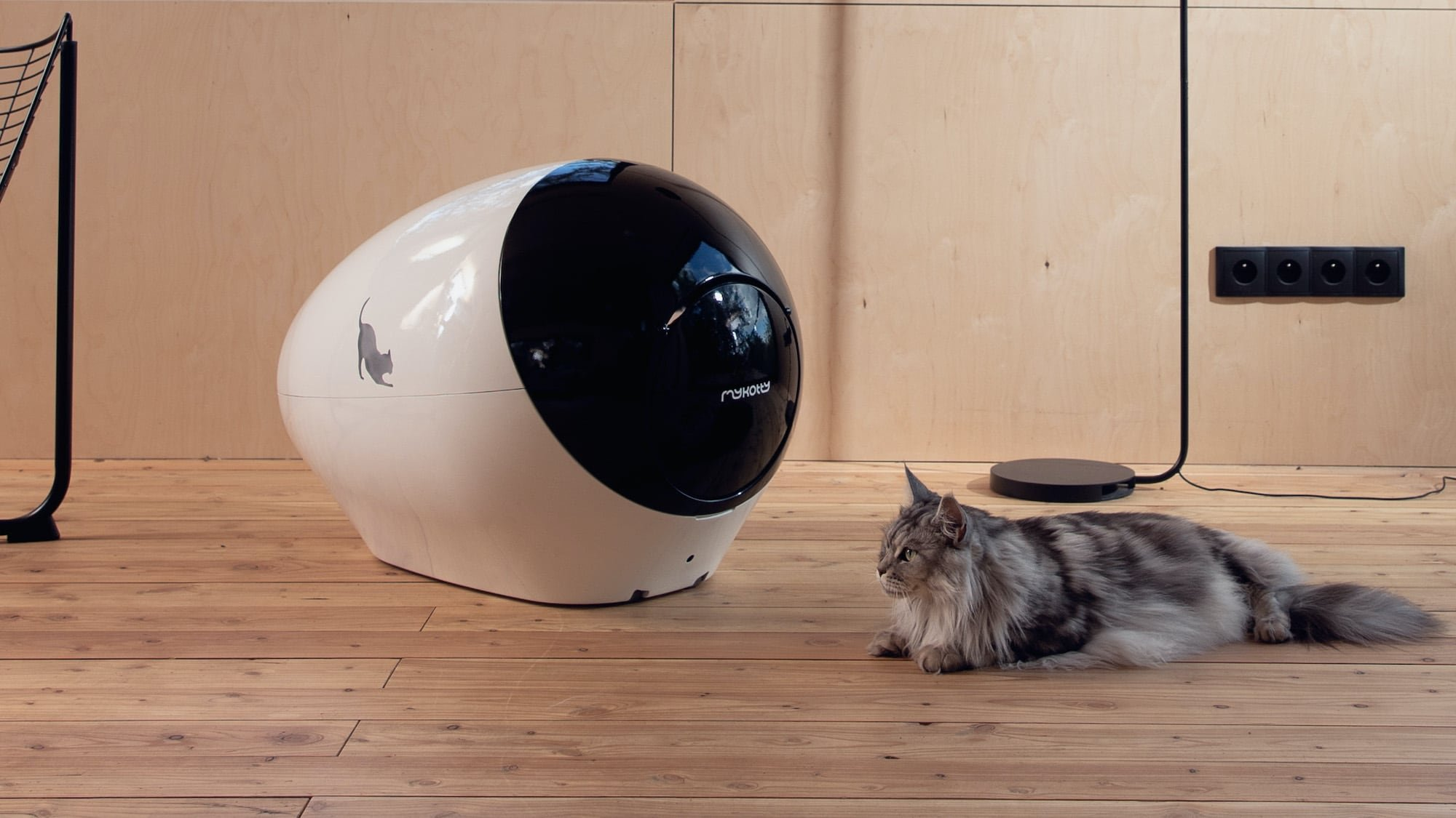 SPACE KOTTY smart cat litter box monitors your kitty's health