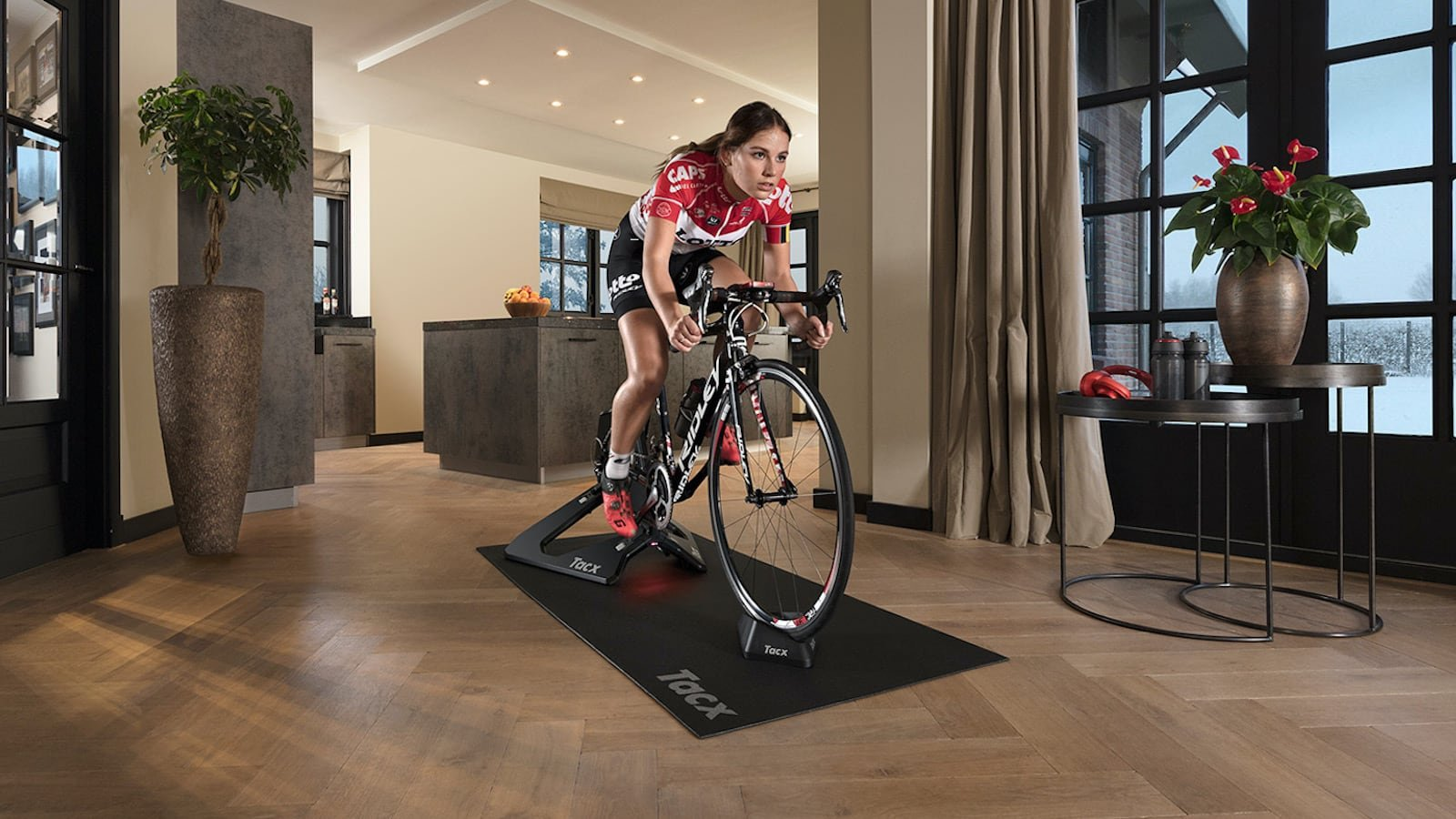 Garmin Tacx NEO 2T smart trainer gives you a more effective way to train indoors