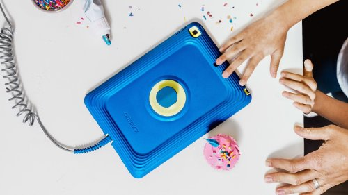 Otterbox iPad Cases For Kids block microbial growth & can withstand drops & throws