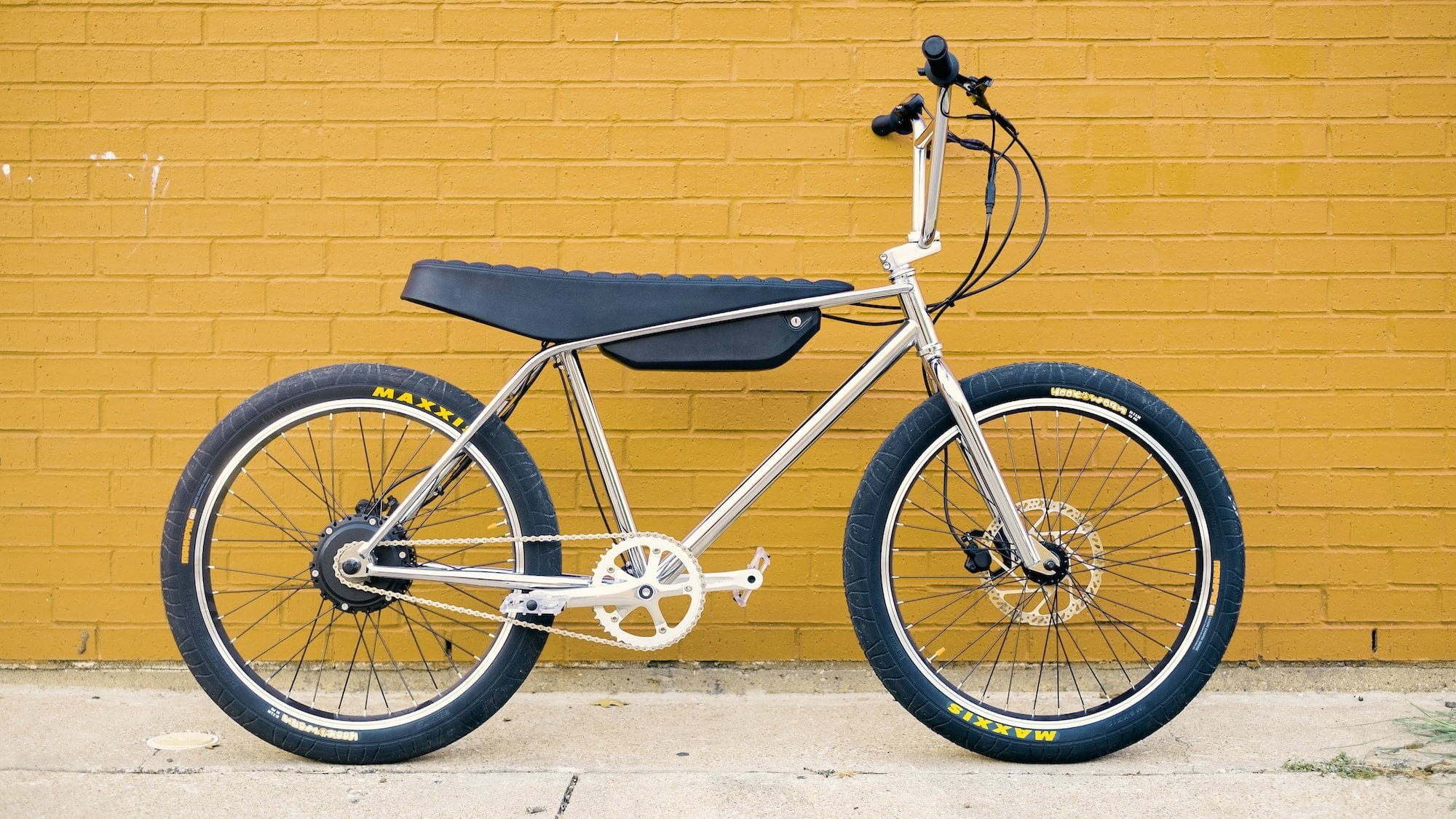 Zooz Bikes Urban Ultralight high-performance eBike is designed for city thrill seekers