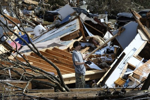 Governor promises to help Alabama towns hit by deadly tornado