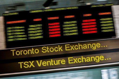 The dilemma facing passive investors. Plus, a top bond fund manager on where yields will go next, and TSX stocks with the best expected returns