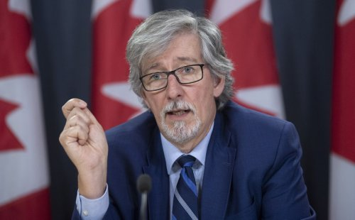 Complaints about federal public service vaccination requirement investigated by privacy czar