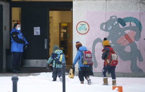 Elementary students return to class in Quebec after first weekend of provincewide curfew