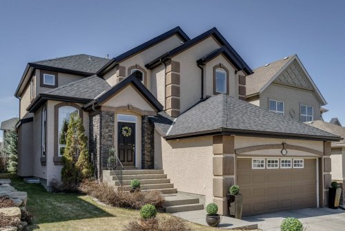Buyer puts in offer for Calgary executive home sight unseen