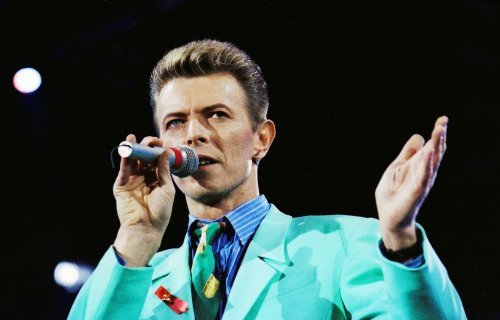 Fame: Portrait by David Bowie found in a thrift store goes up for auction