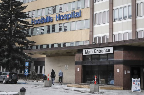 Alberta Health Services says 98 per cent of beds open, closures no cause for alarm
