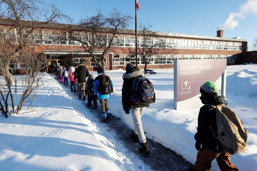 Ontario officials vague on school reopening criteria