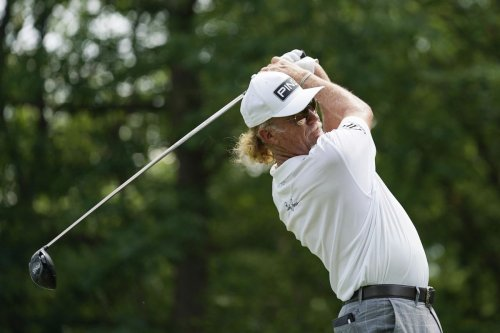 Jimenez takes PGA Tour Champions lead in Wisconsin heat